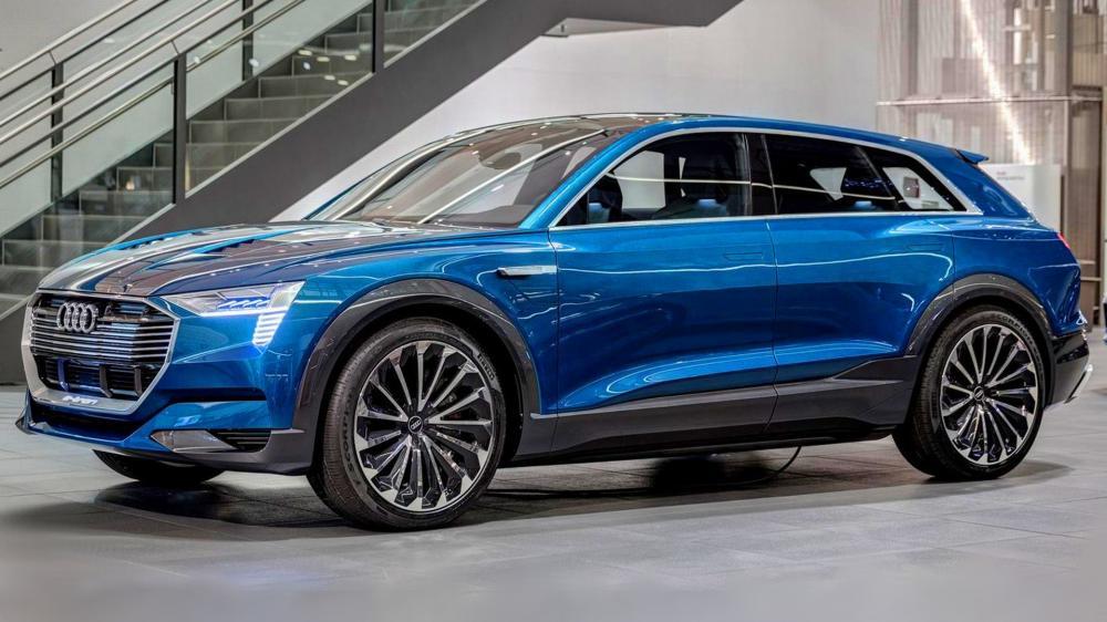 an-Audi-E-TRON-2