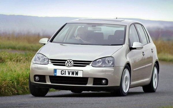 a Volkswagen Golf 5
