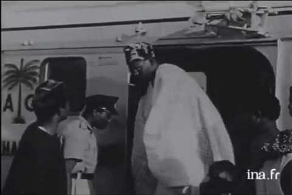 Dr-Nnamdi-Azikiwe-welcoming=Chief-Obafemi-Awolowo
