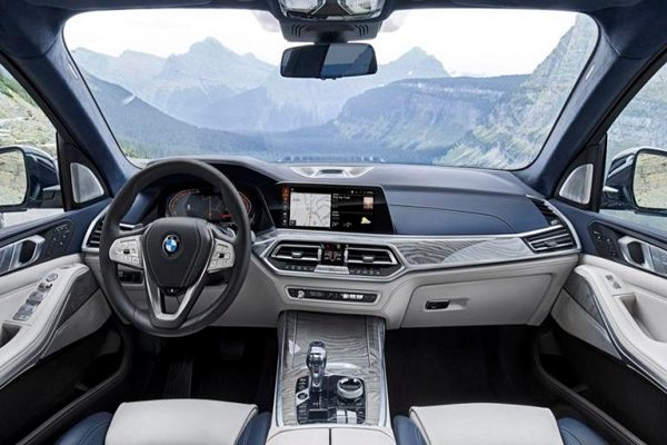 The-kind-of-luxury-found-in-BMW-cars-ar- th- kinds-that-only-fans-of-Mercedes-Benz