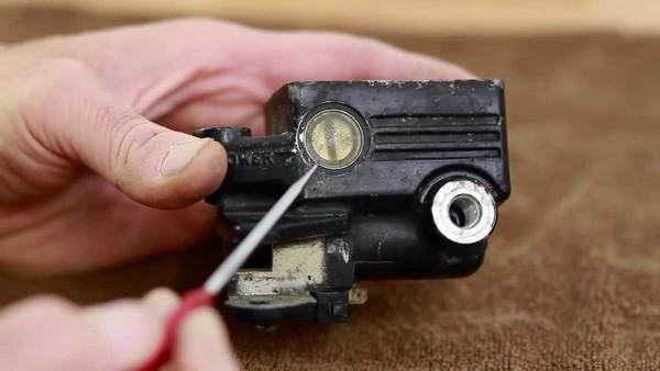 master-cylinder-seals-in-car