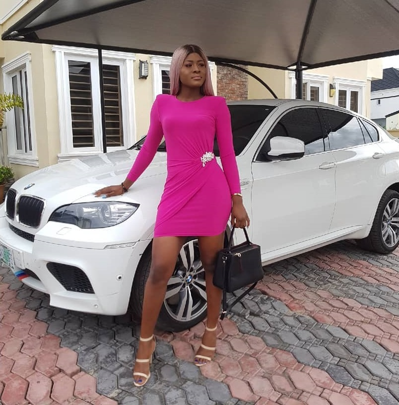 Alex-unusual-and-her-bmw