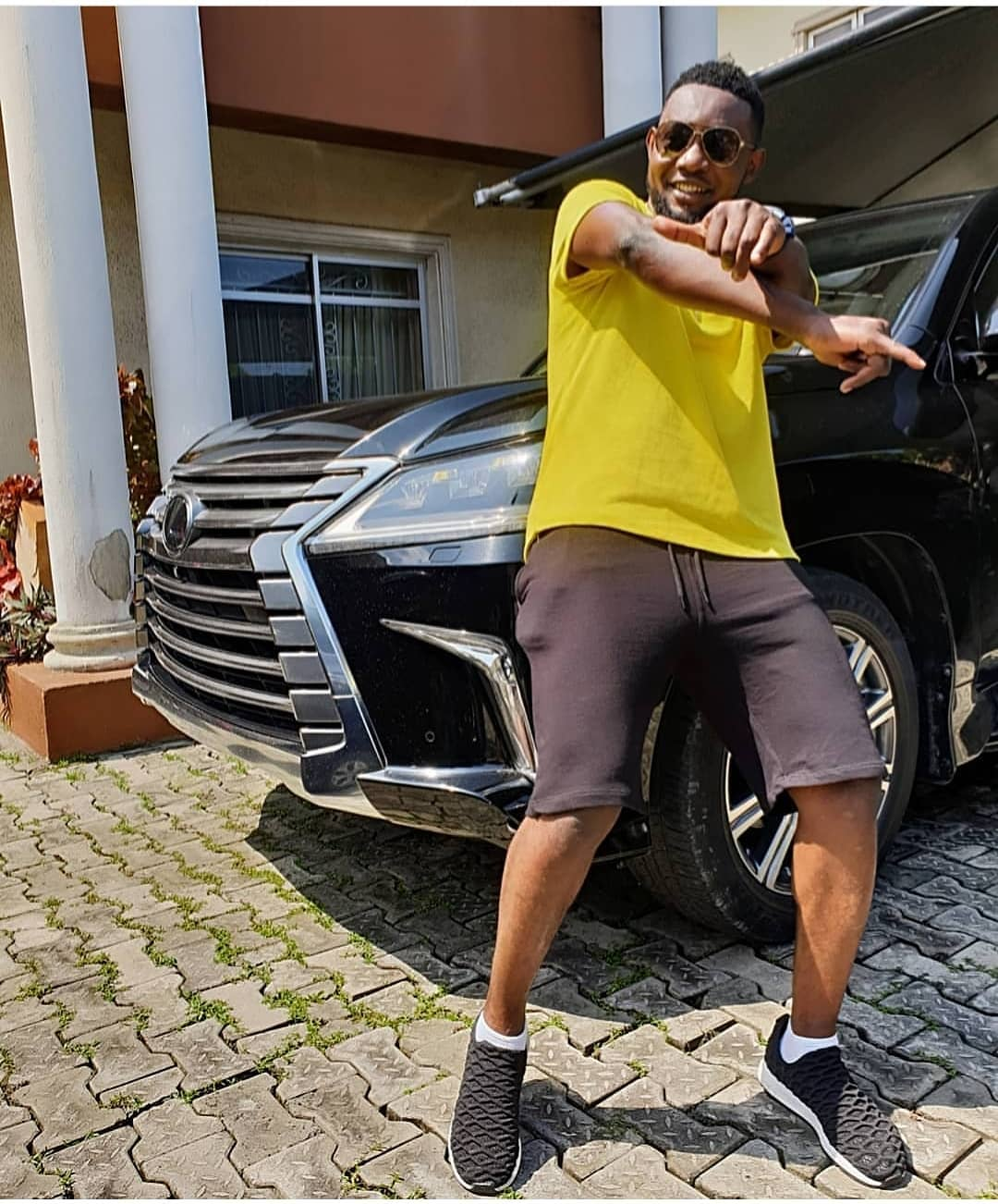 AY-comedian-and-his-lexus