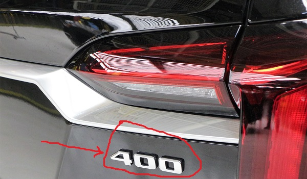 400-badge-on-the-upcoming-2020-XT6-Crossover