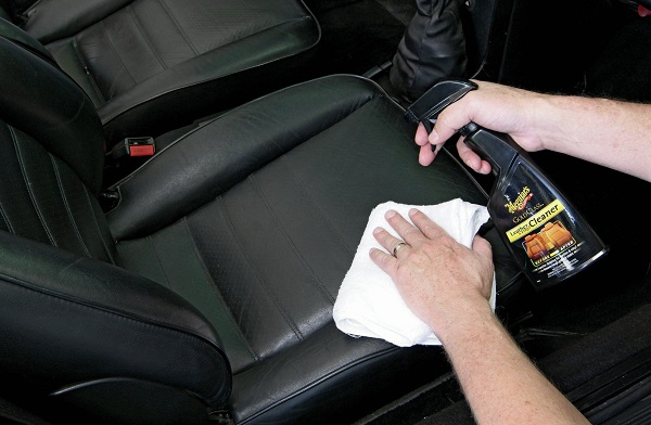 image-of-cleaner-being-applied-on-leather-seat
