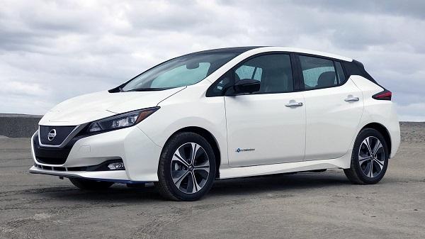 angular-front-of-a-parked-Nissan-Leaf-EV