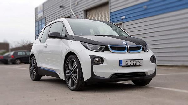 angular-front-of-the-BMW-i3-2019-EV