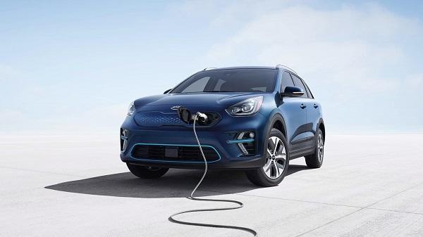 angular-front-of-the-plugged-in-Kia-Niro-2019-EV