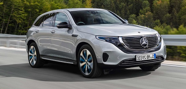 Mercedes-Benz-EQC-in-motion