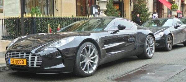 Samuel-Eto'o-Aston-Martin-one-77
