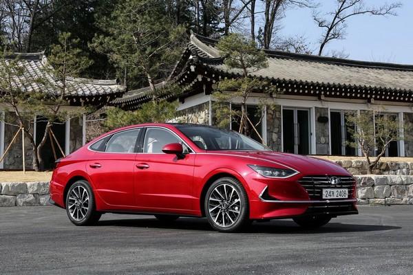 2020-Hyundai-Sonata-red