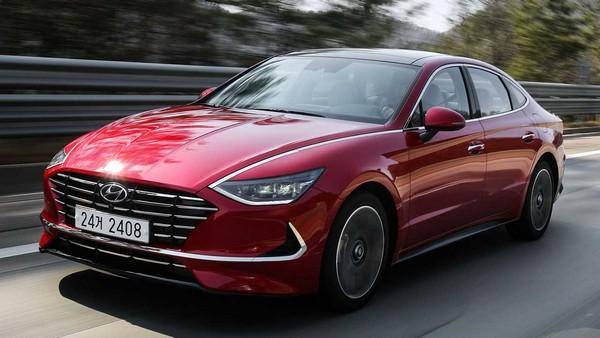 2020-Hyundai-Sonata-on-road
