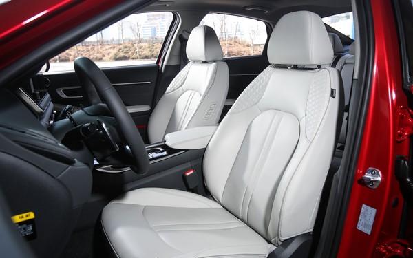 2020-Hyundai-Sonata-interior