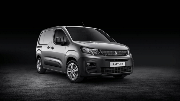 angular-front-of-the-peugeot-partner