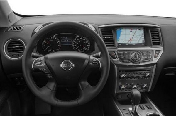 2019-Nissan-Pathfinder-steering-wheel