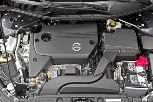 2020-Nissan-versa-engine