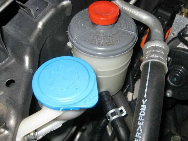 Power-Steering-fluid-reservoir