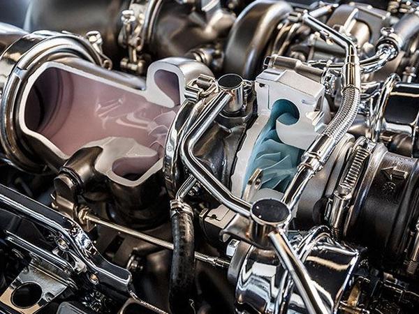 Hot-V-engine