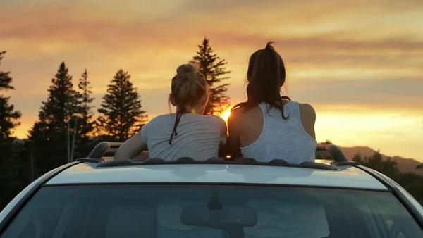 two-women-seeing-sunset