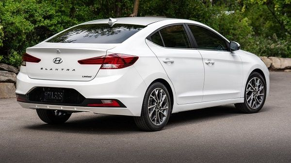 angular-rear-of-the-2020-Hyundai-Elantra