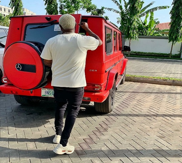 BNaira-with-his-Mercedes-Benz-G63