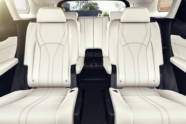 Lexus-RX-interior