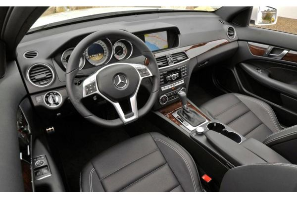 mercedes-benz-c350-inside