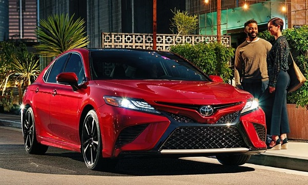 The-2019-Toyota-Camry-front