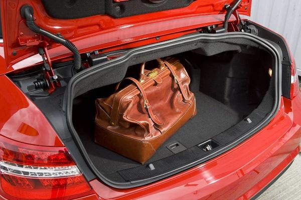 Cargo-of-Mercedes-Benz-E-Class-E350