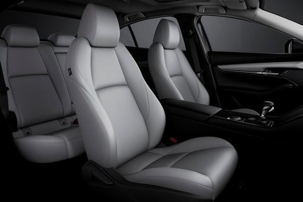 Mazda-3-sedan-rear-seats