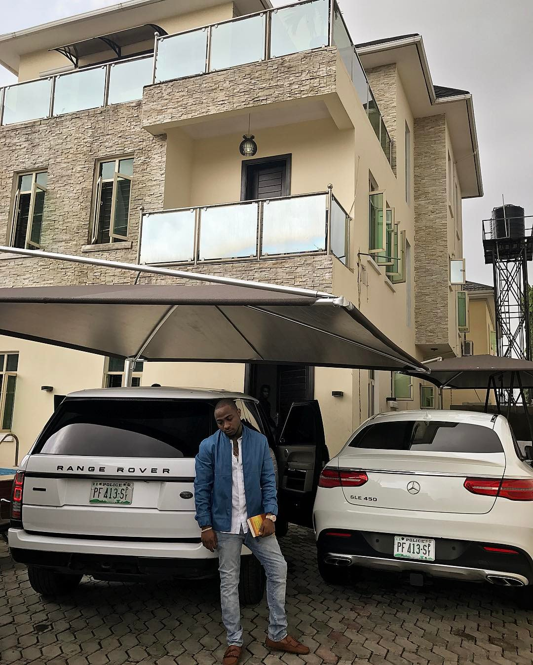 Davido-in-his-garage