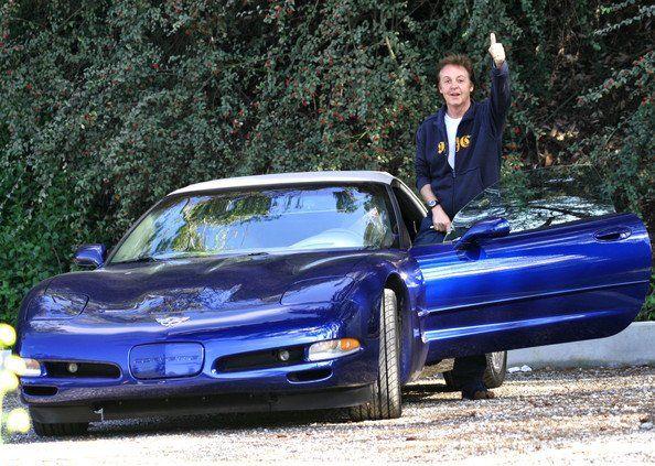 Paul-McCartney-blue-Chevrolet-Corvette