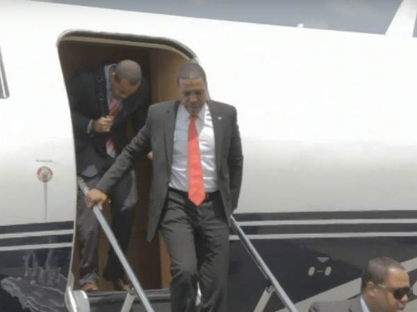 private-jet-of-Creflo-Dollar