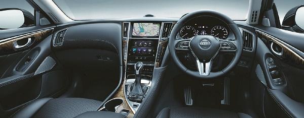 Nissan-Skyline-interior