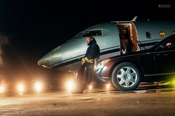 Timaya-his-car-and-private-jet
