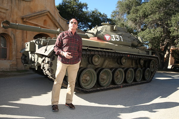 image-of-arnold-schwarzenegger-tank-rides-the-last-stand