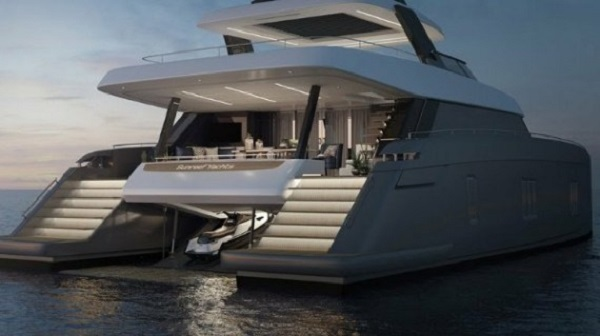 Backview-of-Tennis-Star-Rafael-Nadal-80ft-Sunreef-Power-Catamaran-Superyacht