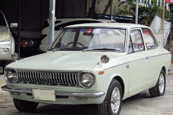 1966-Toyota-Corolla-model-01