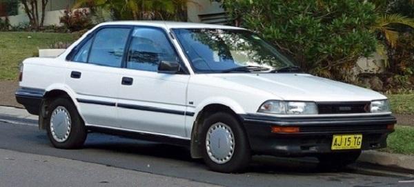 Toyota-Corolla-sixth-generation-E90-model