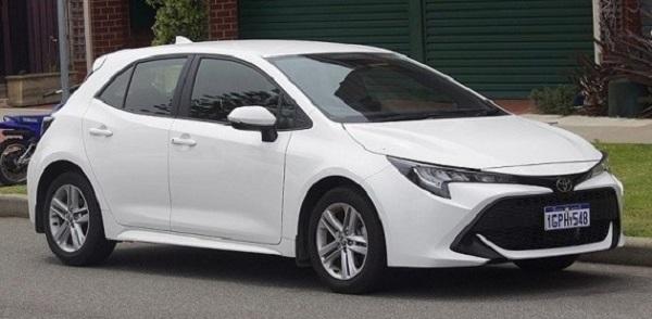 Toyota-Corolla-twelfth-generation-E210-hatchback-model