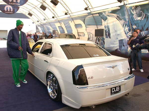 image-of-snoop-chrysler-300C