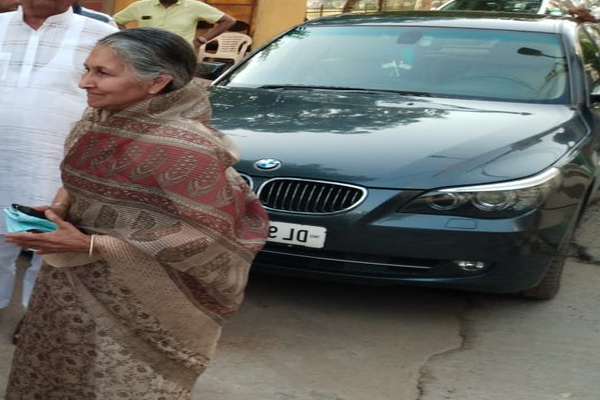 Savitri-Jindal-with-BMW-car