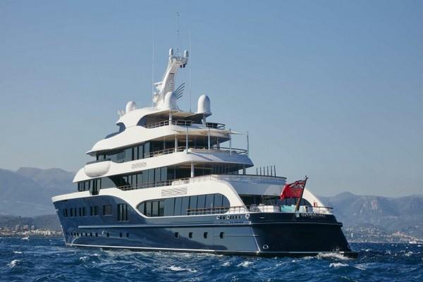 bernard-arnault-yacht-symphony