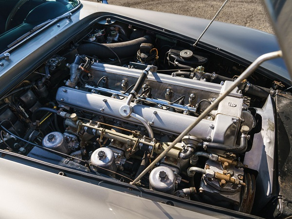 image-of-1965-aston-martin-db5-engine