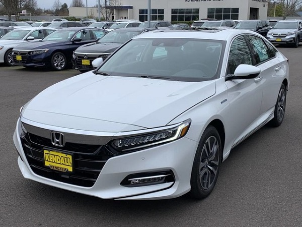 2019-Honda-Accord-Hybrid-Touring