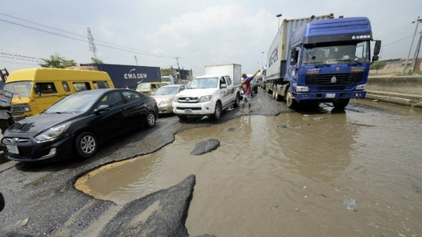 nigerian-potholes
