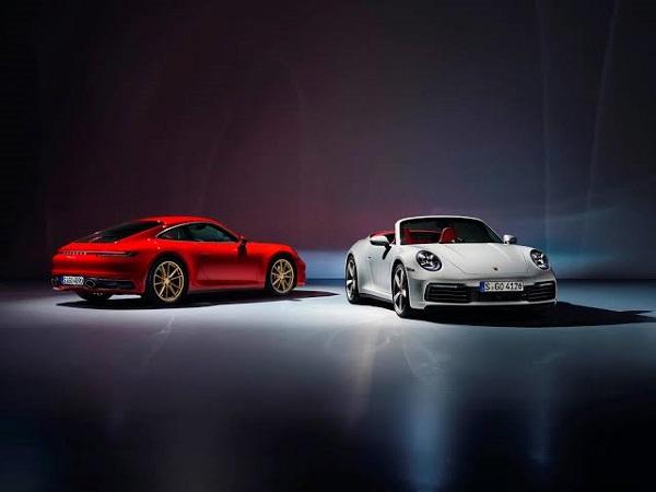 2020-Porsche-911-carrera-4-and-cabriolet-4
