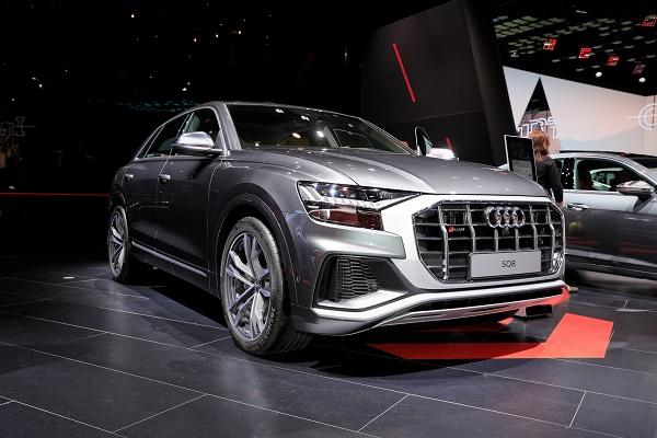 2020-Audi-SQ8