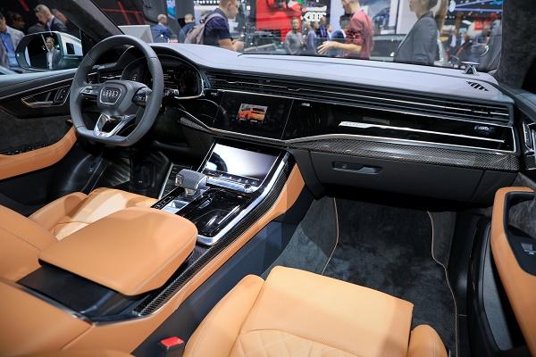 interior-Audi-SQ8