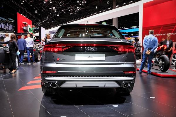 rear-2020-Audi-SQ8